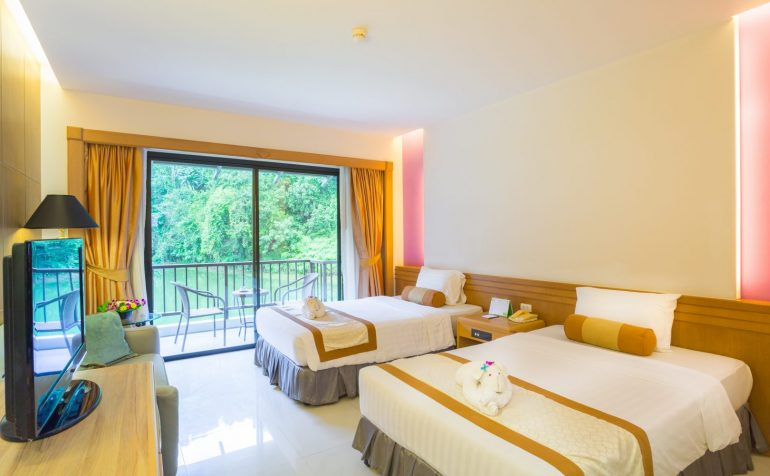 Tinidee Golf Resort@Phuket - superior bedroom